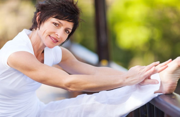 2014-03-11 Woman-without-osteoporosis-stretching-yoga