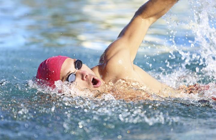man-swimming-laps